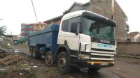 Tipping semi-trailer/lorry/lorries for hire